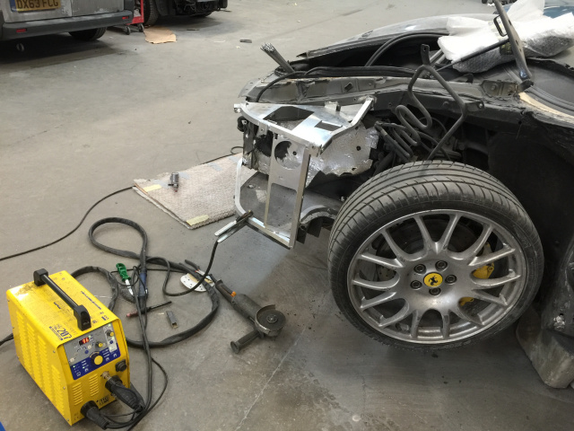 Mobile aluminium car welding