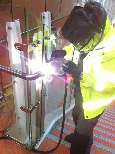 Mobile onsite stainless steel hand rail welder in London